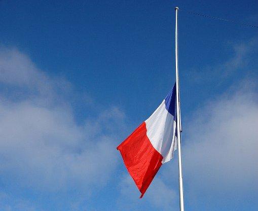 drapeau en berne