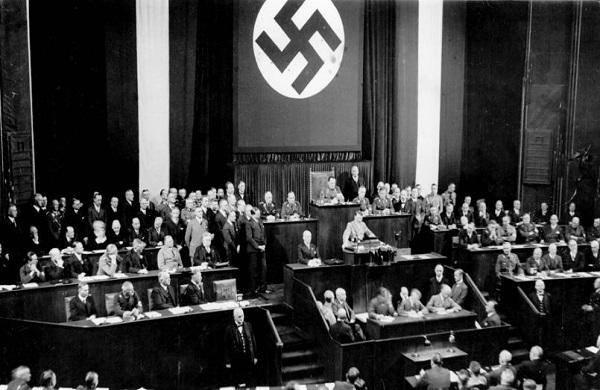 lois nuremberg 1935